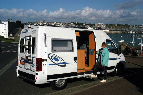 camping car adria. Black Bedroom Furniture Sets. Home Design Ideas